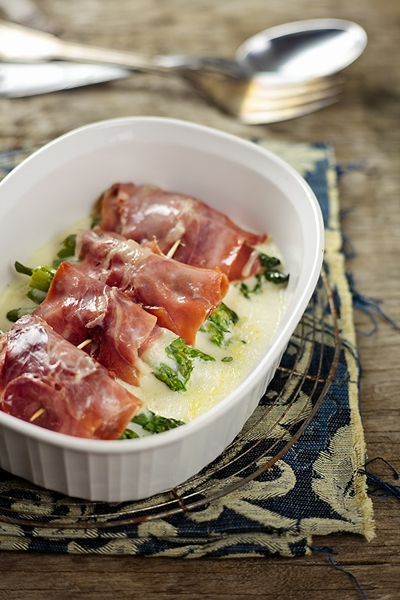 Asparagus and Prosciutto Rolls