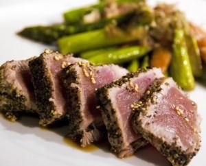 Seared Yellowfin Tuna With Asparagus