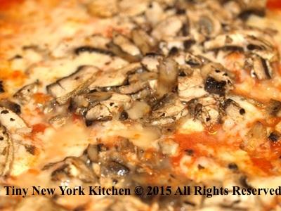 Garlic Mushroom Pizza