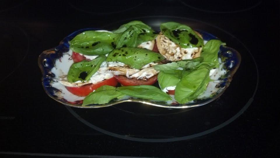 Burrata, Tomato & Basil Salad