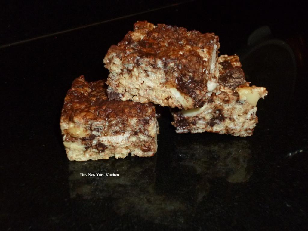 Dark Chocolate Macadamia Nut Crispies