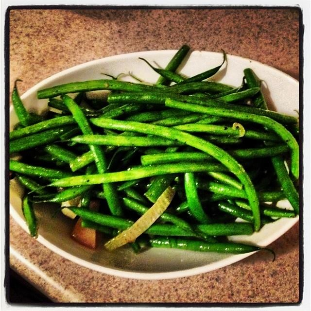 Haricots Verts With Sliced Shallots