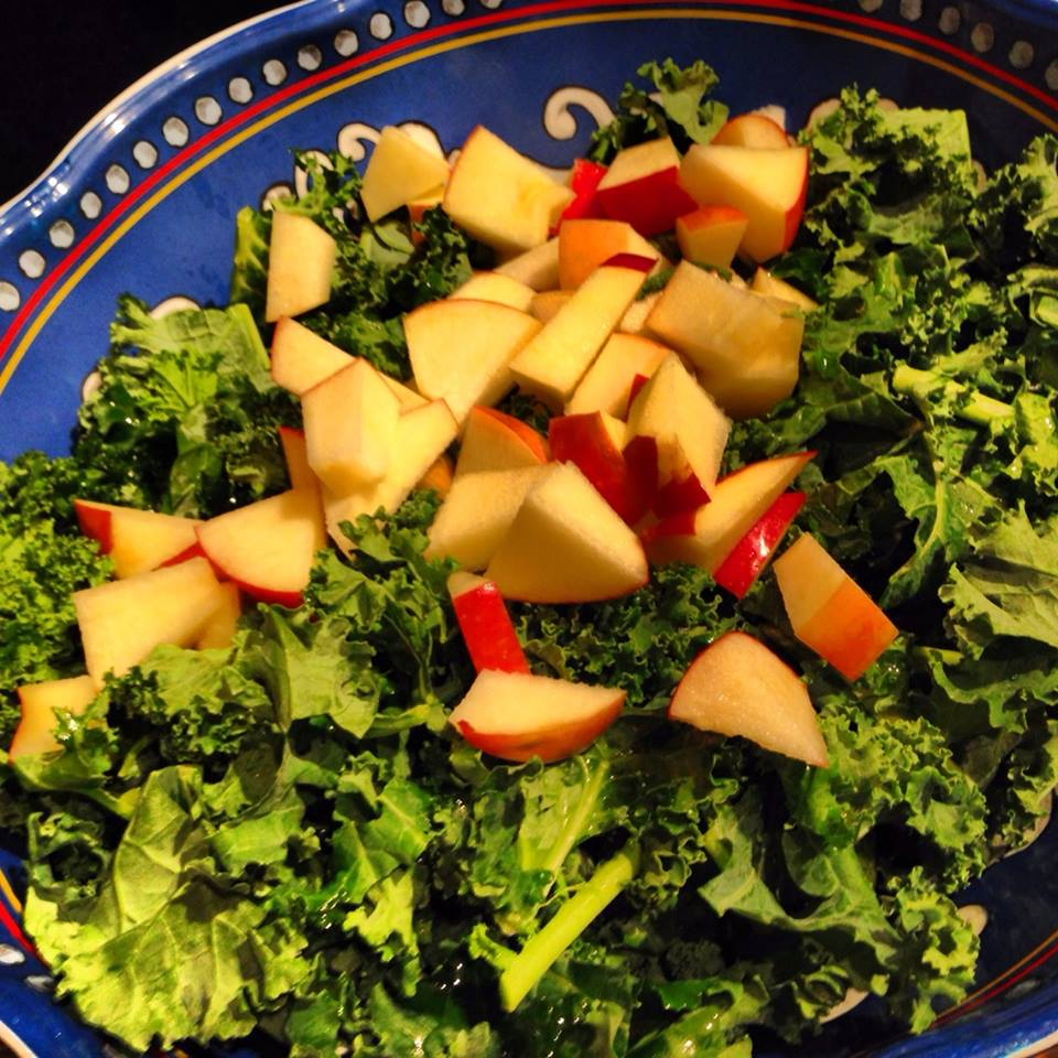 Kale Salad With Apples And Pumpkin Seeds 2