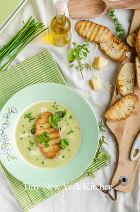 Creamy Brussels Sprouts & Cauliflower Soup