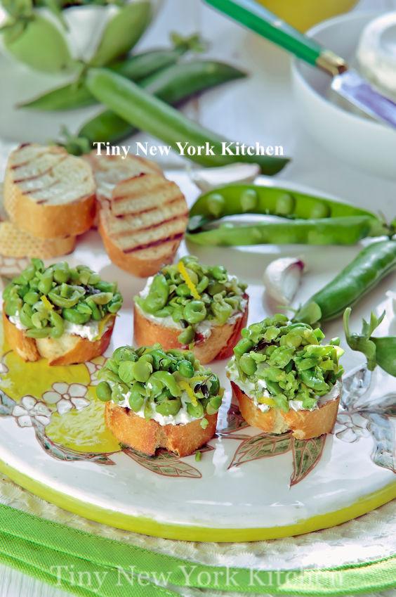 Spring Pea & Goat Cheese Crostini copy