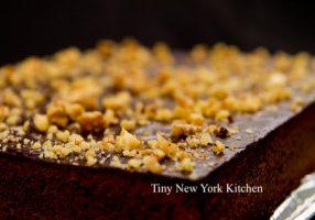 Flourless Cake With Chocolate Glaze
