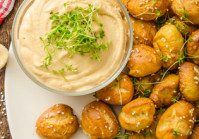 Soft Pretzels Minis With Beer Cheese