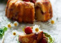 Strawberry Peaches & Cream Cake